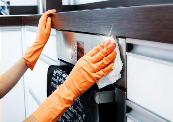 pulire forno