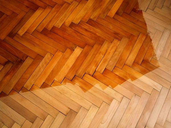 Parquet pulire e ravvivare i pavimenti in legno for Pulire parquet