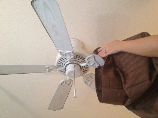 come pulire ventilatore a soffitto