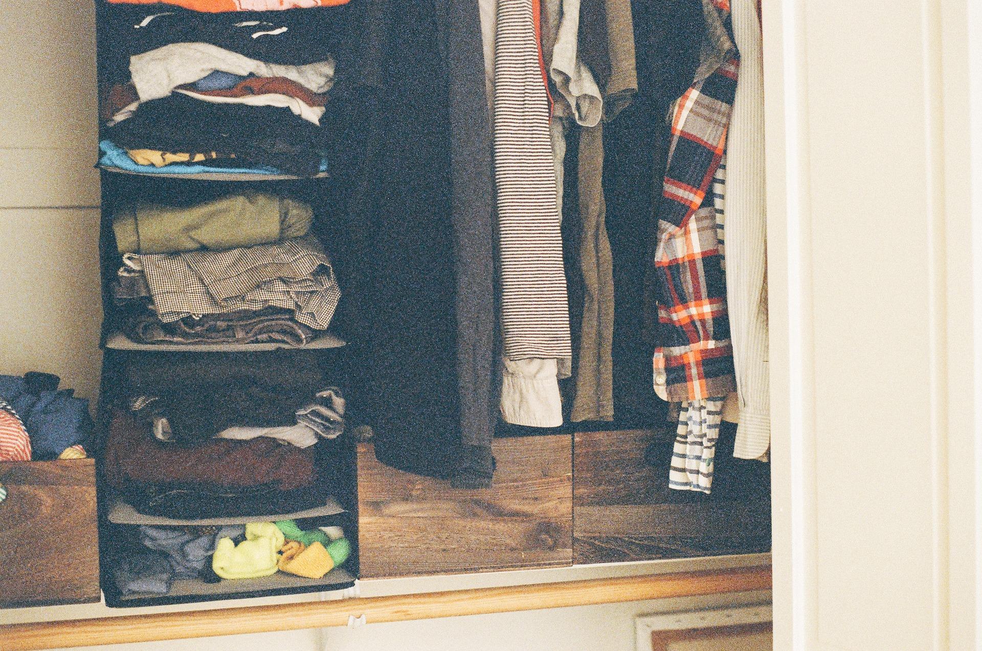 abiti muffa armadio