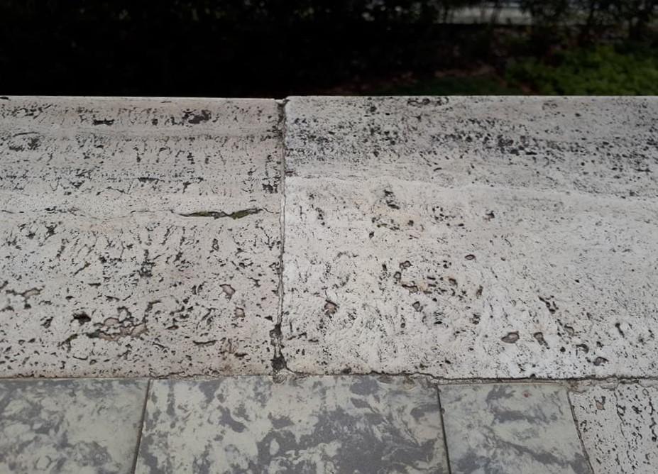 marmo sul balcone