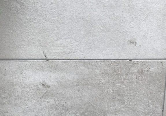 pavimento sporco di stucco