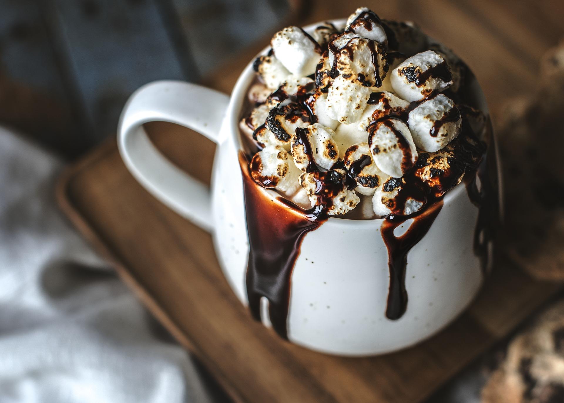 Come pulire le macchie di cacao asciutte dalla camicia bianca